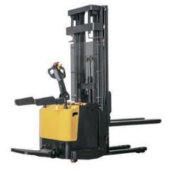 Штабелер электрический самоходный с платформой для оператора TOR 1,5т 4,5м